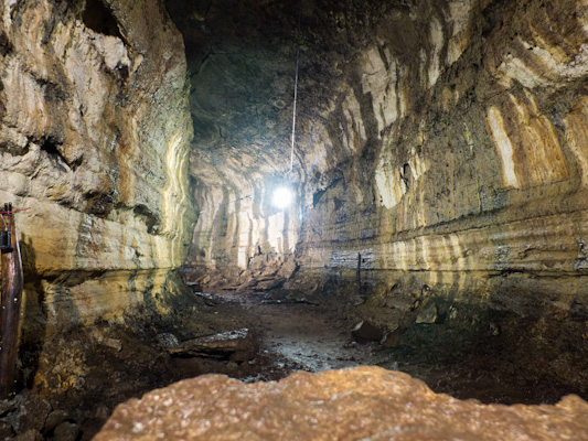 Rancho-Primiscias-tunnels-de-lave-galapagos-tout-equateur