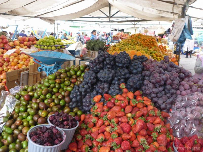 fruits-marché-de-saquisili-tout-equateur