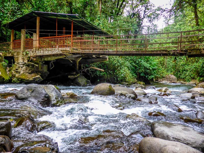 pont-riviere-mindo-tout-equateur
