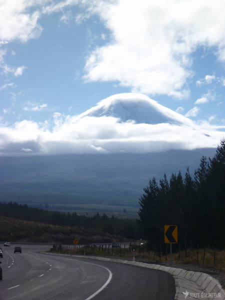 route-vers-quilotoa-tout-equateur
