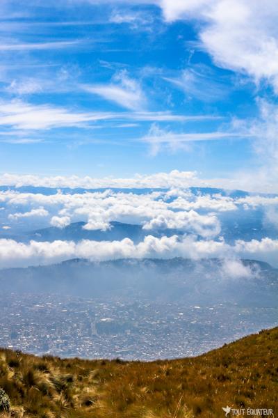 hauteurs-telepherique-quito-tout-equateur