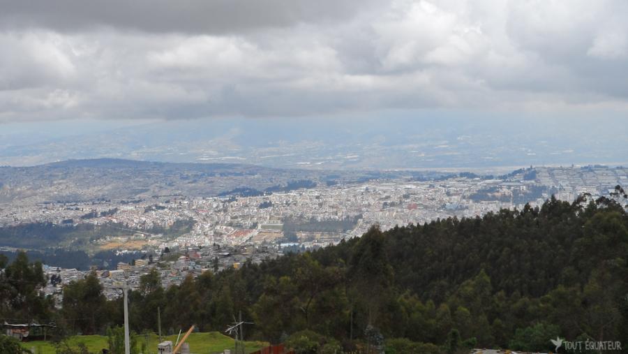 2-paysage-quito-tout-équateur
