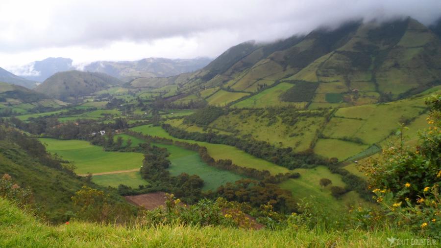 3-vallée-paysage-quito-tout-équateur